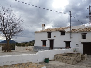 Huescar white villa